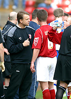 Photo: Dave Linney.<br />Walsall v Huddersfield Town. Coca Cola League 1. 22/04/2006.Walsall Mgr Kevan Broadhurst gives out some advice during a break in play