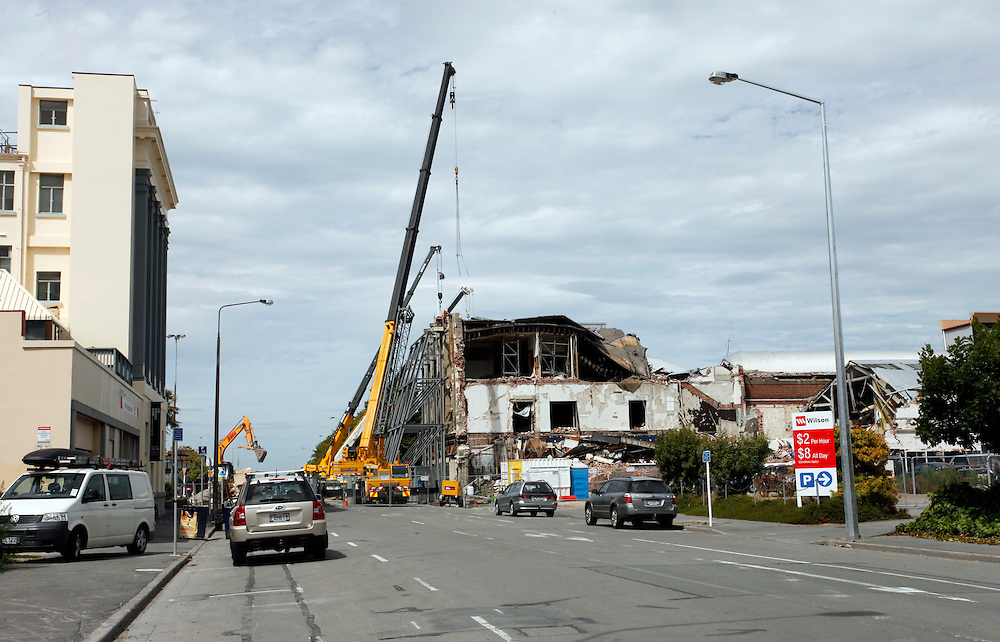 Earthquake damaged McKenzie & Willis building, centre, at the corner of High and Tuam Streets, Christchurch, New Zealand, Friday, February 09, 2012.  Credit:SNPA / Pam Johnson