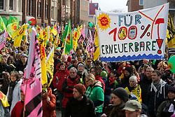 Rund 6000 Menschen haben am 22. März 2014 in Kiel gegen das drohende Scheitern der Energiewende und für ein Ende von Atom- und Kohlekraft demonstriert. In sechs weiteren Landeshauptstädten gingen insgesamt weitere 25 000 Menschen auf die Straßen.