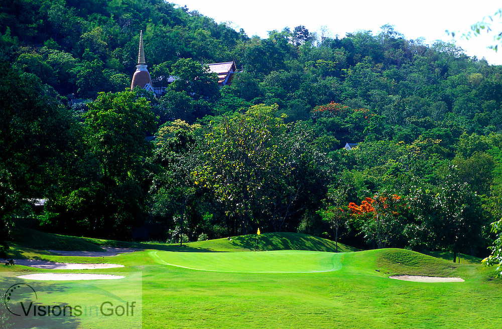 March 2005, Royal Hua Hin GC, Hua Hin, Thailand. Hole 12, par-three.<br /> Mandatory credit: Richard Castka / visionsingolf.com
