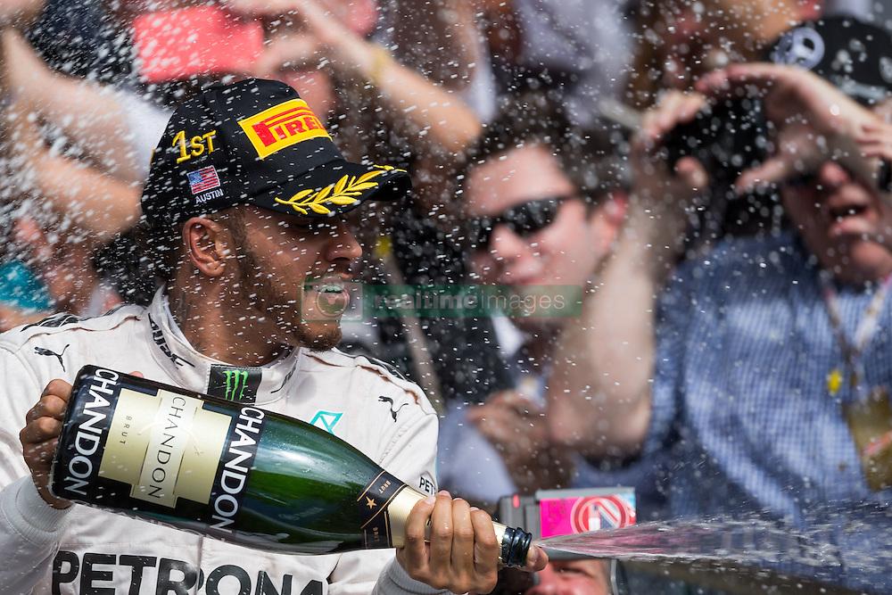 Formel 1: Grosser Preis der USA in Austin, Renntag / 231016<br /> <br /> ***Race winner Lewis Hamilton (GBR) Mercedes AMG F1 celebrates on the podium.<br /> 23.10.2016. Formula 1 World Championship, Rd 18, United States Grand Prix, Austin, Texas, USA, Race Day.<br /> ***