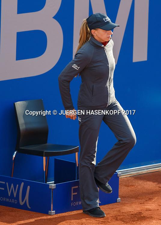 BMW Open 2017, Linienrichterin,<br /> <br /> Tennis - BMW Open 2017 -  ATP  -  MTTC Iphitos - Munich -  - Germany  - 2 May 2017.