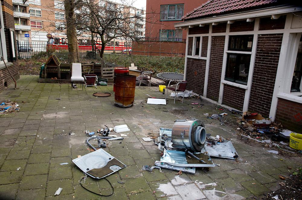 DEN HAAG - De tuin van een studentenhuis aan de Slachthuisstraat .<br /> COPYRIGHT MARTIJN BEEKMAN