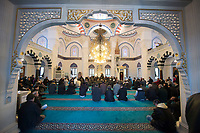 09 JAN 2015, BERLIN/GERMANY:<br /> Freitagsgebet in der Sehitlik Moschee<br /> IMAGE: 20150109-01-024<br /> KEYWORDS: türkisch, Islam, Moslem, moslemisch, Religion