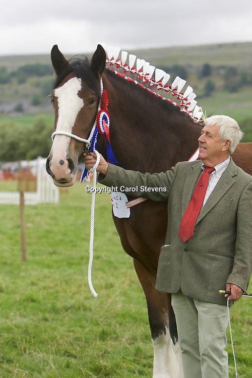 Frank Pickles with his own Laurelbank Scarlet<br />