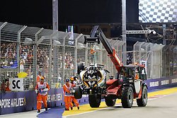 Nico H¸lkenberg legt einen Start Crash hin beim GP von Singapur 2016 in Singapur / 180916<br /> <br /> *** Formula One Grand Prix of Singapore at Marina Bay Street Circuit on September 18, 2016 in Singapore ***