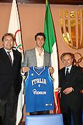 ROMA 30 APRILE 2010<br /> BASKET FIP<br /> CONFERENZA STAMPA ANDREA BARGNANI AL SALONE D'ONORE DEL CONI<br /> NELLA FOTO MENEGHIN E BARGNANI E PETRUCCI<br /> FOTO CIAMILLO
