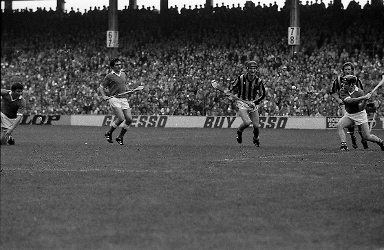 All Ireland Hurling Final - Cork vs Kilkenny.05.09.1982.09.05.1982.5th September 1982.Photograph of the Cork defence taking control to clear a Kilkenny attack.