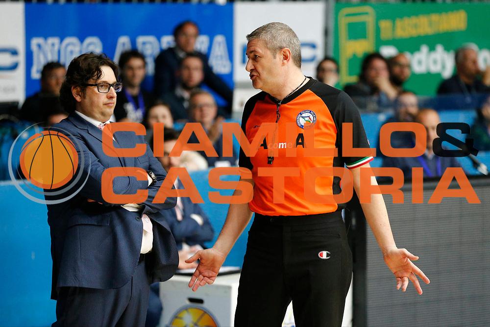 DESCRIZIONE : Cantu Lega A 2012-13 Lenovo Cantu Banco di Sardegna Sassari playoff quarti di finale gara 4<br /> GIOCATORE : Andrea Trinchieri Arbitro<br /> CATEGORIA : Ritratto Delusione<br /> SQUADRA : Lenovo Cantu<br /> EVENTO : Campionato Lega A 2012-2013<br /> GARA : Lenovo Cantu Banco di Sardegna Sassari<br /> DATA : 15/05/2013<br /> SPORT : Pallacanestro <br /> AUTORE : Agenzia Ciamillo-Castoria/G.Cottini<br /> Galleria : Lega Basket A 2012-2013  <br /> Fotonotizia : Cantu Lega A 2012-13 Lenovo Cantu Banco di Sardegna Sassari playoff quarti di finale gara 4<br /> Predefinita :