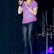 NLD/Amsterdam/20110520 - Premiere Man in the Mirror, optreden Leonie Meijer