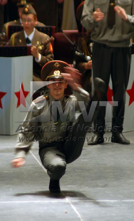 Toluca, Mex.- Presentaci&oacute;n del acto de danzas y canciones tradicionales rusas &quot;Ej&eacute;rcito Rojo&quot; en el Teatro Morelos. Agencia MVT / Alfonso Garc&iacute;a. (DIGITAL)<br /> <br /> <br /> <br /> <br /> <br /> <br /> <br /> NO ARCHIVAR - NO ARCHIVE