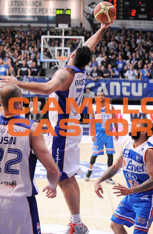DESCRIZIONE : Cantu' Campionato Lega A 2013-14 Acqua Vitasnella Cantu' Enel Brindisi<br /> GIOCATORE : Pietro Aradori<br /> SQUADRA : Acqua Vitasnella Cantu' <br /> EVENTO : Campionato Lega A 2013-14<br /> GARA :  Acqua Vitasnella Cantu' Enel Brindisi<br /> DATA : 16/03/2014<br /> CATEGORIA : Rimbalzo<br /> SPORT : Pallacanestro<br /> AUTORE : Agenzia Ciamillo-Castoria/A.Giberti<br /> Galleria : Campionato Lega Basket A 2013-14<br /> Fotonotizia : Cantu' Campionato Lega A 2013-14 Acqua Vitasnella Cantu' Enel Brindisi<br /> Predefinita :