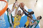 DESCRIZIONE : Torino Coppa Italia Final Eight 2011 Semifinale Montepaschi Siena Fabi Shoes Montegranaro<br /> GIOCATORE : Dejan Ivanov Bobby Jones<br /> SQUADRA : Fabi Shoes Montegranaro<br /> EVENTO : Agos Ducato Basket Coppa Italia Final Eight 2011<br /> GARA : Montepaschi Siena Fabi Shoes Montegranaro<br /> DATA : 12/02/2011<br /> CATEGORIA : Rimbalzo Special<br /> SPORT : Pallacanestro<br /> AUTORE : Agenzia Ciamillo-Castoria/G.Cottini<br /> Galleria : Final Eight Coppa Italia 2011<br /> Fotonotizia : Torino Coppa Italia Final Eight 2011 Semifinale Montepaschi Siena Fabi Shoes Montegranaro<br /> Predefinita :