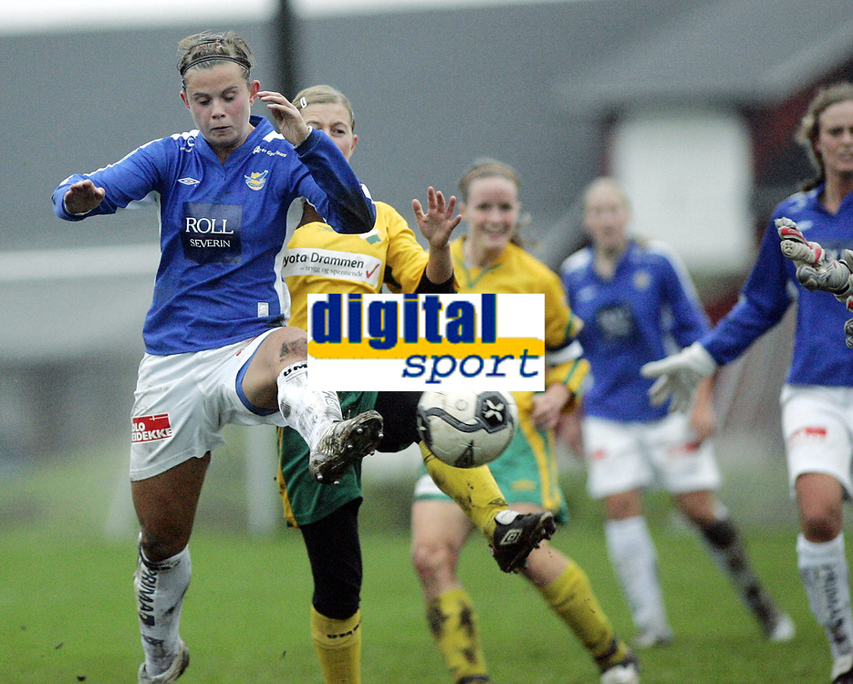 Fotball<br /> Toppserien for kvinner 2006<br /> 21.10.2006<br /> Liungen v Trondheims-&Oslash;rn<br /> Foto: Morten Olsen, Digitalsport<br /> <br /> Kristin Lie gj&oslash;r 4-0 til &Oslash;rn
