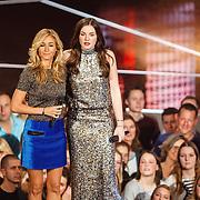 NLD/Hilversum/20160122 - 6de live uitzending The Voice of Holland 2016, Wendy van Dijk en Maan