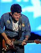 28.SEPTEMBER.2013. NEW YORK<br /> <br /> JOHN MAYER PERFORMS ON STAGE AT THE 2013 GLOBAL CITIZEN FESTIVAL IN CENTRAL PARK TO END POVERTY IN NEW YORK, USA.<br />  <br /> BYLINE: EDBIMAGEARCHIVE.CO.UK<br /> <br /> *THIS IMAGE IS STRICTLY FOR UK NEWSPAPERS AND MAGAZINES ONLY*<br /> *FOR WORLD WIDE SALES AND WEB USE PLEASE CONTACT EDBIMAGEARCHIVE - 0208 954 5968*