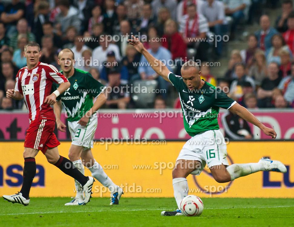 11.09.2010, Allianz Arena, München, GER, 1. FBL, FC Bayern München vs Werder Bremen, im Bild Mikael Silvestre, (Werder Bremen, #16), EXPA Pictures © 2010, PhotoCredit: EXPA/ J. Feichter / SPORTIDA PHOTO AGENCY