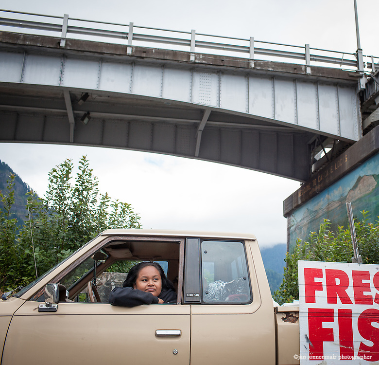Indian Fishers at Cascade Locks near Portland, Oregon