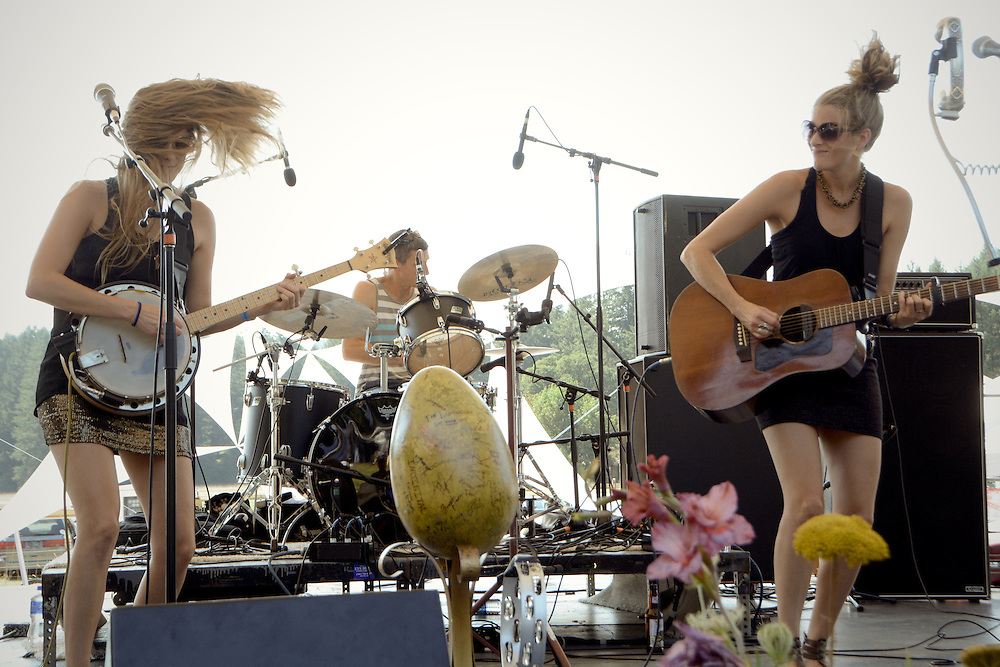 Shook Twins Mohawk Valley Music Festival