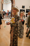VIRGINIA BATES, Royal Academy of Arts Summer Exhibition Preview Party 2011. Royal Academy. Piccadilly. London. 2 June <br /> <br />  , -DO NOT ARCHIVE-© Copyright Photograph by Dafydd Jones. 248 Clapham Rd. London SW9 0PZ. Tel 0207 820 0771. www.dafjones.com.