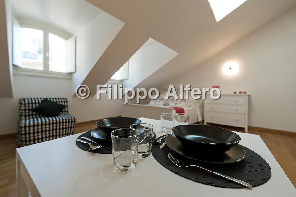 &copy; Filippo Alfero<br /> Emanuele Corte, appartamento mansardato<br /> Torino, 23/06/2016