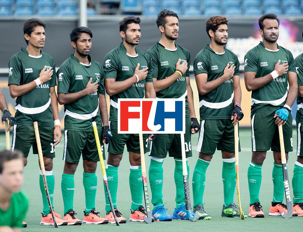BREDA - Rabobank Hockey Champions Trophy<br /> Argentina - Pakistan<br /> Photo: Pakistani line up.<br /> COPYRIGHT WORLDSPORTPICS FRANK UIJLENBROEK