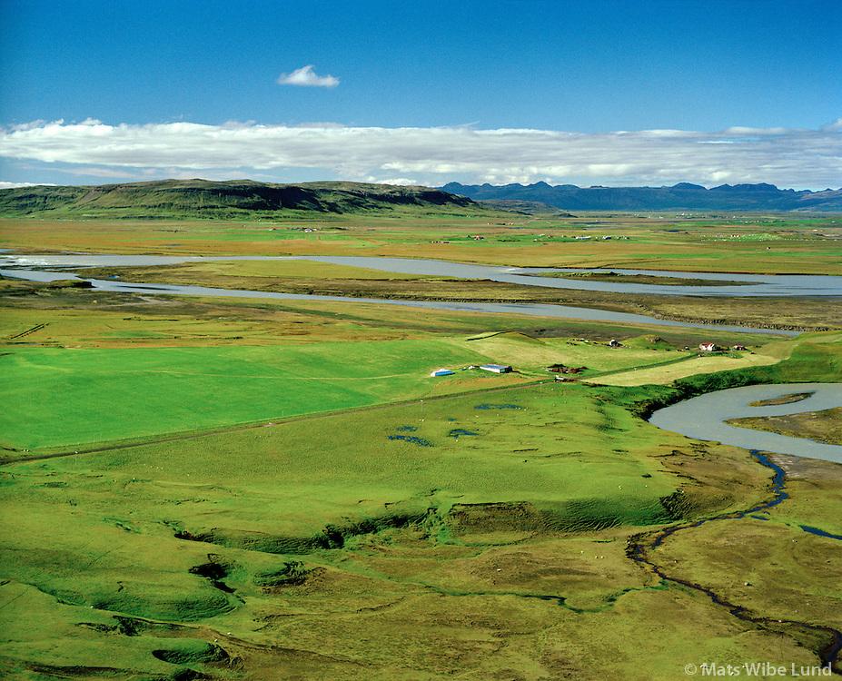 Akbraut séð til vesturs, Þjórsá í bakgrunni, Rangárþing ytra áður Holtahreppur / Akbraut viewing west, river Thjorsa in background, Rangarthing ytra former Holtahreppur.