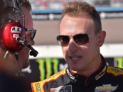 November 10, 2018 - Phoenix, Arizona, U.S. - PHOENIX, AZ - NOVEMBER 10:  Xfinity Series playoff contender Daniel Hemric (21) South Point Hotel Chevrolet chats with his crew chief before start of race at the NASCAR Xfinity Series Playoff Race - Whelen 200  on November 10, 2018 at ISM Raceway in Phoenix, AZ.  (Photo by Lyle Setter/Icon Sportswire) (Credit Image: © Lyle Setter/Icon SMI via ZUMA Press)
