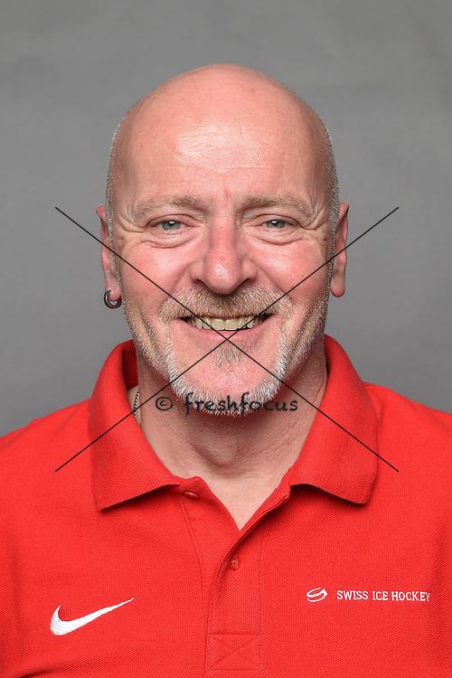 16.07.2015; Davos; Eishockey U17 - Trainingslager Nationalmannschaft;<br /> Kurt Bucher, Material <br /> (Andy Mueller/freshfocus)