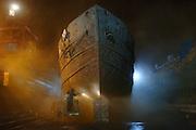USA New York Brooklyn Navy Yard aus der Serie Night Vision Nacht Nachtaufnahme Schiffswerft  Oeltanker Rost
