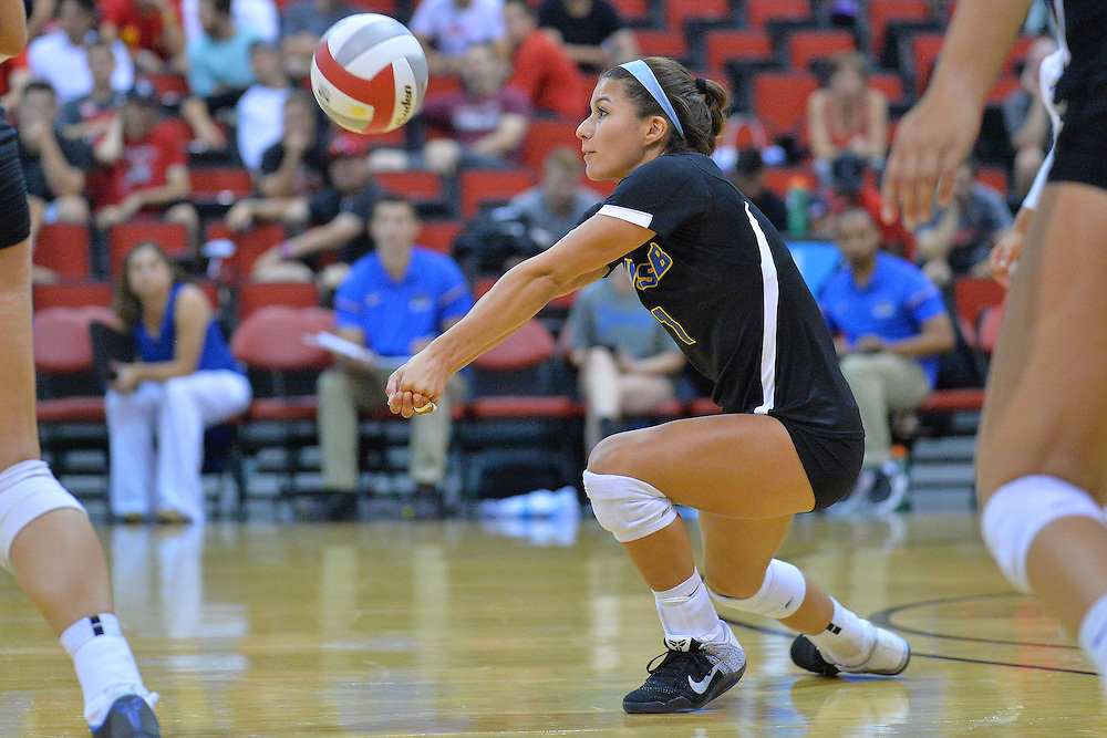 August 26, 2016; Las Vegas, Nev.; UC Santa Barbara defensive specialist Sydney Bast (1) digs a ball during a match between the UNLV Lady Rebels and UC Santa Barbara Gauchos. UNLV defeated UCSB 3-0.