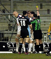 Photo: Jed Wee.<br /> Leeds Tykes v Bristol Rugby. Guinness Premiership. 10/02/2006.<br /> <br /> Bristol's Nathan Budgett (L) is shown the yellow card by referee Dave Pearson.