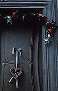 Image of a door detail with heart in Bingen am Rhein, Germany