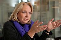 06 FEB 2012, BERLIN/GERMANY:<br /> Hannelore Kraft, SPD, Ministerpraesidentin Nordrhein-Westfalen, NRW, waehrend einem Interview, Redaktionsvertretung der Rheinischen Post<br /> IMAGE: 20120206-01-020