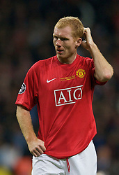 MOSCOW, RUSSIA - Wednesday, May 21, 2008: Manchester United's Paul Scholes during the UEFA Champions League Final against Chelsea at the Luzhniki Stadium. (Photo by David Rawcliffe/Propaganda)