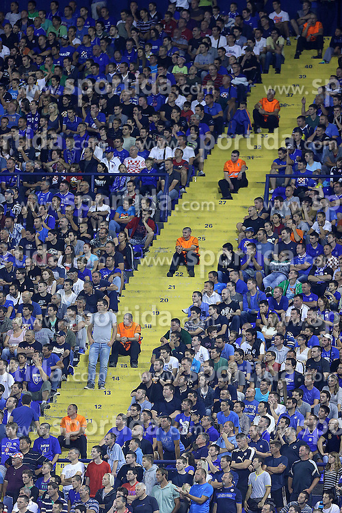 21.08.2013, Maksimir Stadion, Zagreb, CRO, UEFA CL Qualifikation, GNK Dinamo Zagreb vs FK Austria Wien, Hinspiel, im Bild Navijaci Dinama napunili su stadion. <br /> // during the UEFA Champions League, Qualification first leg match between GNK Dinamo Zagreb and FK Austria Wien at Maksimir Stadium in Zagreb, Croatia on 2013/08/21. EXPA Pictures © 2013, PhotoCredit: EXPA/ Pixsell/ Goran Stanzl<br /> <br /> ***** ATTENTION - for AUT, SLO, SUI, ITA, FRA only *****