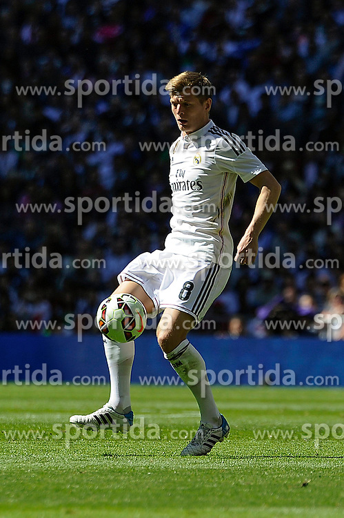 05.04.2015, Estadio Santiago Bernabeu, Madrid, ESP, Primera Division, Real Madrid vs FC Granada, 29. Runde, im Bild Real Madrid&acute;s Toni Kroos // during the Spanish Primera Division 29th round match between Real Madrid CF and Granada FC at the Estadio Santiago Bernabeu in Madrid, Spain on 2015/04/05. EXPA Pictures &copy; 2015, PhotoCredit: EXPA/ Alterphotos/ Luis Fernandez<br /> <br /> *****ATTENTION - OUT of ESP, SUI*****