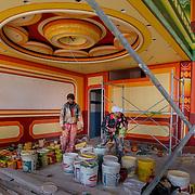 Works in one of the buildings of Freddy Mamani.<br /> <br /> Obras en uno de los edificios de Freddy Mamani.