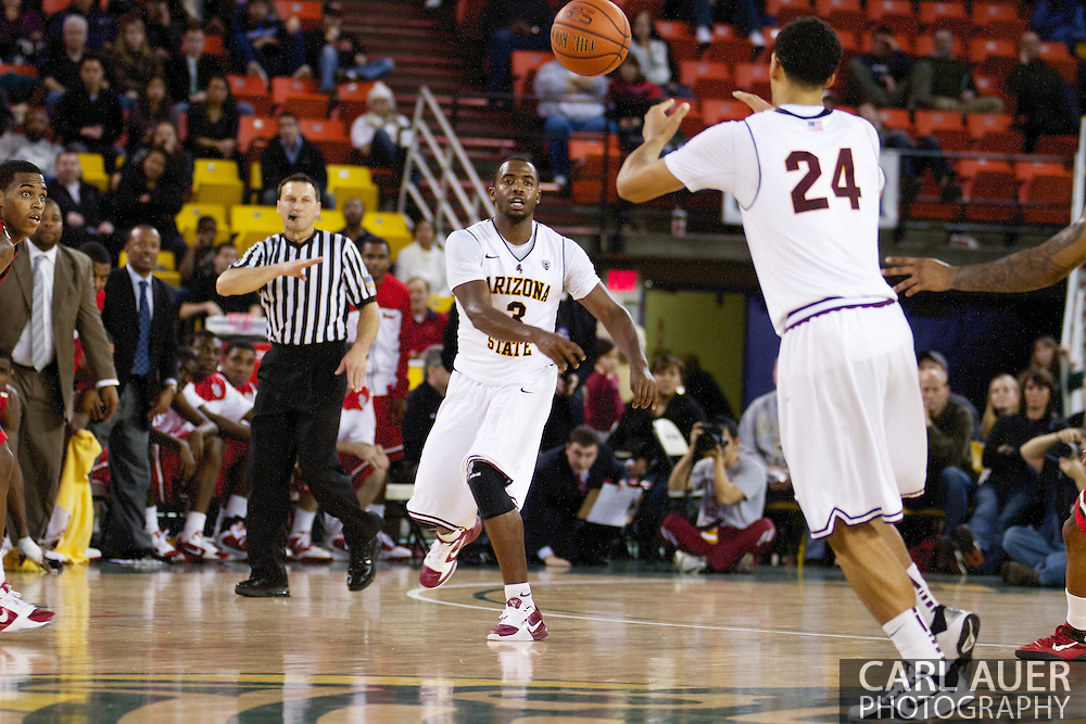 November 27th, 2010:  Anchorage, Alaska - Sun Devil senior guard Ty Abbott (3) passes the ball up court in Arizona State's 58-67 loss to St. John's in the championship game of the Great Alaska Shootout.