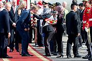 Staatsbezoek van Koning Willem Alexander en  Koningin Maxima aan Indonesie - Aankomst van het Koninklijk Paar op vliegveld Jakarta. ////  State visit of King Willem Alexander and Queen Maxima to Indonesia - Arrival of the Royal Couple at Jakarta airport.
