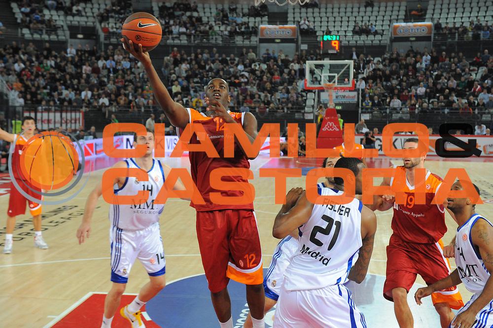 DESCRIZIONE : Roma Eurolega 2010-11 Lottomatica Virtus Roma Real Madrid<br /> GIOCATORE : Ali Traore<br /> SQUADRA : Lottomatica Virtus Roma<br /> EVENTO : Eurolega 2010-2011<br /> GARA :  Lottamtica Virtus Roma Real Madrid<br /> DATA : 04/11/2010<br /> CATEGORIA : Tiro<br /> SPORT : Pallacanestro <br /> AUTORE : Agenzia Ciamillo-Castoria/GiulioCiamillo<br /> Galleria : Eurolega 2010-2011<br /> Fotonotizia : Roma Eurolega Euroleague 2010-11 Lottomatica Virtus Roma Real Madrid<br /> Predefinita :