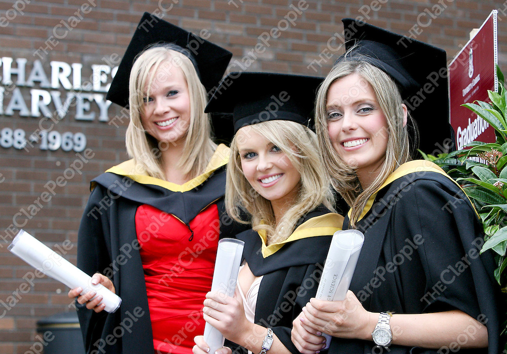 Pictured at The University of Limerick 2009 August conferrings were Pharmaceutical and Industrial Chemistry graduates L-R Brenda Egan, Cratloe Co Clare, Aoife Gallagher, Ardnacrusha Co Clare and Dearbhla Kelly, Lisnagry Co Limerick.Pic Arthur Ellis / Press22.