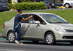 Auckland-Police clamp down on car window washers in Manukau