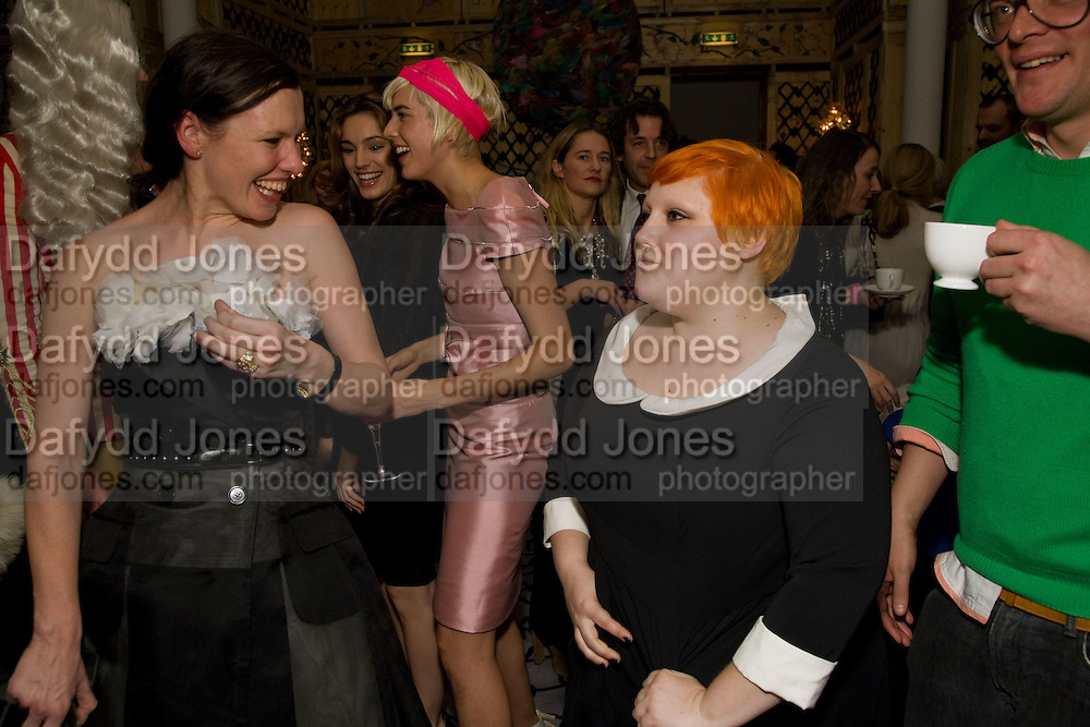 KATIE GRAND; KELLY BROOK; AGYNESS DEYN; BETH DITTO;, Kate Grand hosts a Love Tea and Treasure hunt at Flash. Royal Academy. Burlington Gardens. London. 10 december 2008 *** Local Caption *** -DO NOT ARCHIVE-© Copyright Photograph by Dafydd Jones. 248 Clapham Rd. London SW9 0PZ. Tel 0207 820 0771. www.dafjones.com.<br /> KATIE GRAND; KELLY BROOK; AGYNESS DEYN; BETH DITTO;, Kate Grand hosts a Love Tea and Treasure hunt at Flash. Royal Academy. Burlington Gardens. London. 10 december 2008