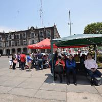 Toluca, México (Abril  24, 2018).- La Dirección General del Registro Civil del Estado de México brinda todos sus servicios en instalaciones provisionales sobre la Plaza de los Mártires, en la capital mexiquense, después de la contingencia que sufrió el edificio que alberga sus oficina en Plaza Toluca.  Agencia MVT / Crisanta Espinosa.