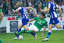 25.09.2011, Weser Stadion, Bremen, GER, 1.FBL, Werder Bremen vs Hertha BSC, im Bild.Peter Niemeyer (BSC #18)  im Zweikmapf mit Mehmet Ekici (Bremen #20).// during the Match GER, 1.FBL, Werder Bremen vs Hertha BSC on 2011/09/25,  Weser Stadion, Bremen, Germany..EXPA Pictures © 2011, PhotoCredit: EXPA/ nph/  Gumz       ****** out of GER / CRO  / BEL ******