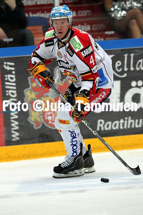 1.2.2011, H?meenlinna..J??kiekon SM-liiga 2010-11. .HPK - Jokerit..Ossi V??n?nen - Jokerit.©Juha Tamminen.