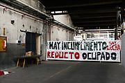 Santiago Mazzarovich/ URUGUAY/ MONTEVIDEO/ La Agrupaci&oacute;n de Funcionarios de UTE (AUTE) mantiene un conflicto con UTE  en reclamo de acuerdos firmados en 2013. El sindicato tom&oacute; la medida de retomar las ocupaciones y ocup&oacute; la Sub gerencia de Mantenimiento de Distribuci&oacute;n Montevideo del Reducto, ubicada en Rivadavia y San Mart&iacute;n.<br /> <br /> En la foto: Ocupaci&oacute;n de la Sub gerencia de Mantenimiento de Distribuci&oacute;n Montevideo del Reducto. Foto: Santiago Mazzarovich / adhocFOTOS