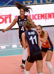 24-09-2014 ITA: World Championship Volleyball Thailand - Nederland, Verona<br /> Celeste Plak