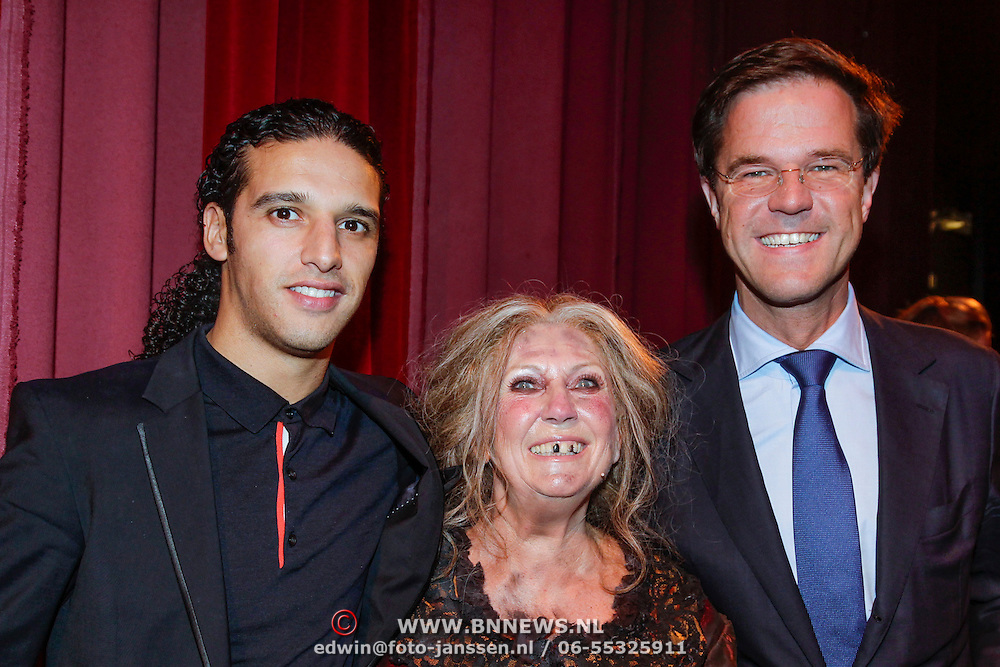 NLD/Amsterdam/20120923- Premiere musical De Jantjes, Willeke Alberti en Ali Bouali, Ali B. met Mark Rutte